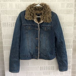 Abercrombie & Fitch fur trim jean jacket lined